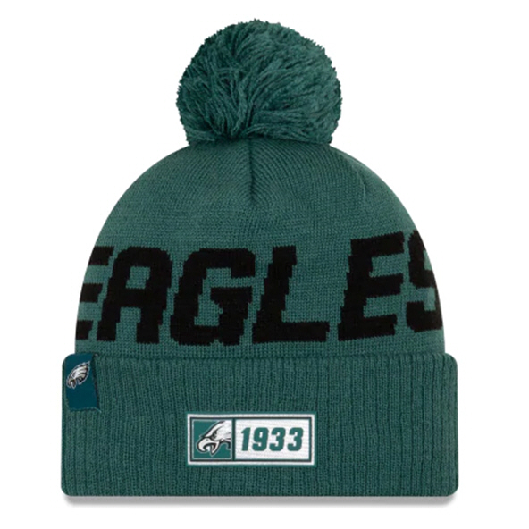New Era Eagles Onfield Road Beanie Green