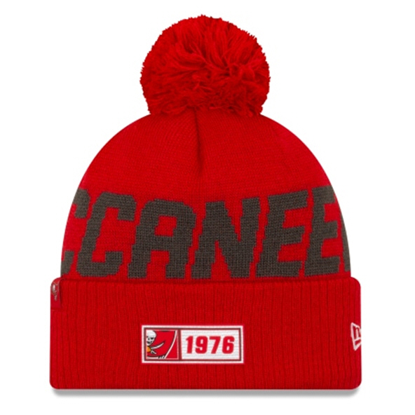 New Era Buccaneers Onfield Rd Beanie Red