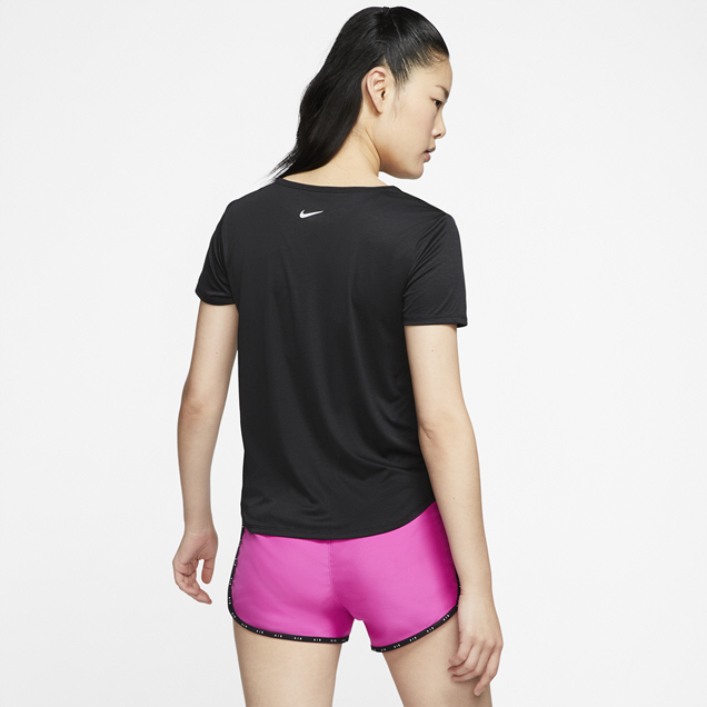 Nike Swoosh Women's Running T-Shirt, Black